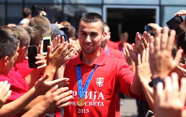 Bordeaux fait signer le remplaçant de Mariano