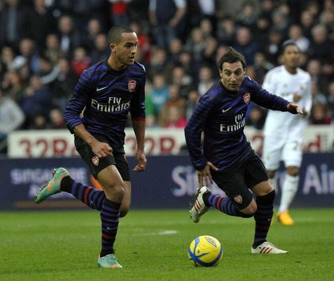 Walcott et Cazorla prolongent à Arsenal