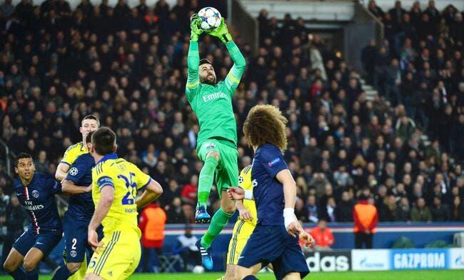 Chelsea, Monaco, l'OL, c'est le top et le flop du PSG selon Sirigu