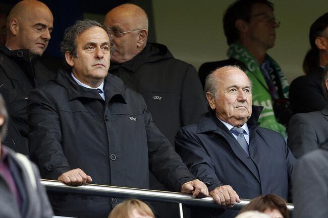 Blatter out, Platini apprécie