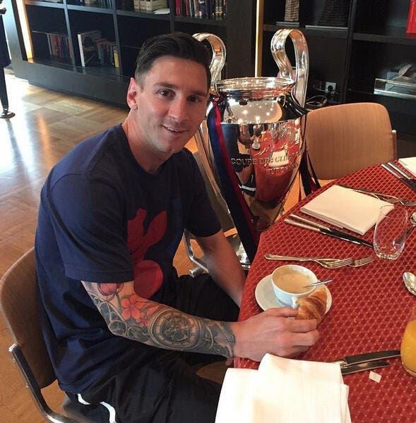 Photo : Une star s'invite au petit-déjeuner de Messi