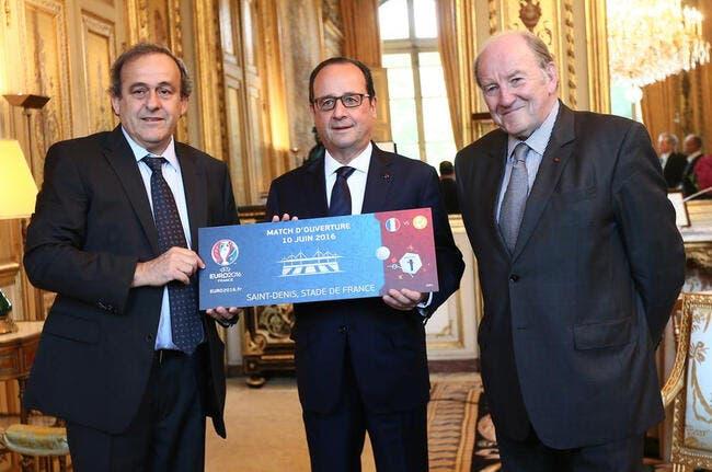 Euro 2016 : Le premier ticket offert à François Hollande