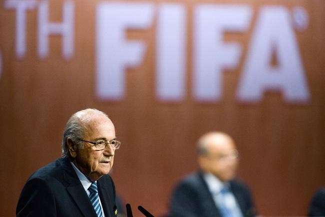 La FIFA contre la corruption, Interpol arrête la blague