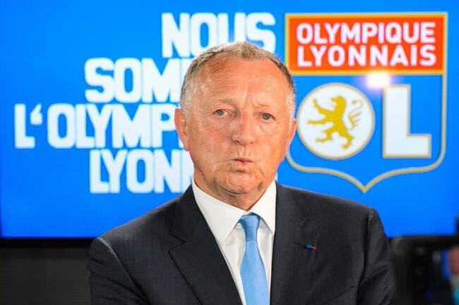 Pierre Ménès et Jean-Michel Aulas se chatouillent