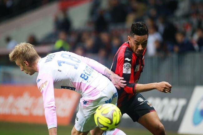 Amavi refuse Aston Villa, l'OL reste dans la course