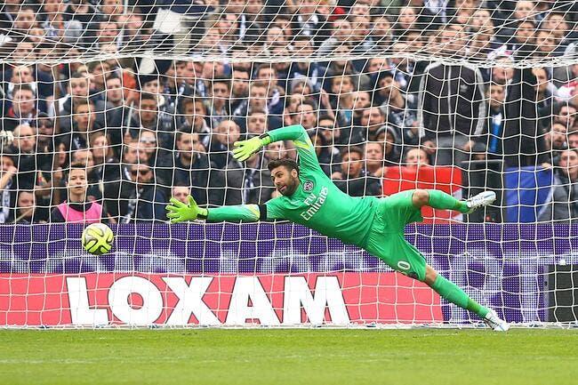 Sirigu ou Cech au PSG ? Une première réponse