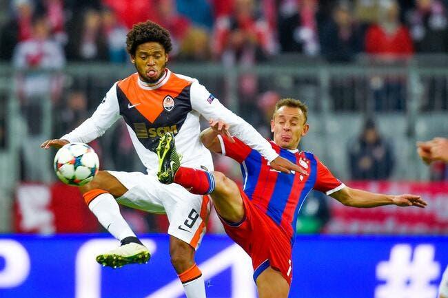 Al Ahli annonce la signature de Luiz Adriano