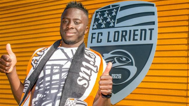 Officiel : Paye signe à Lorient