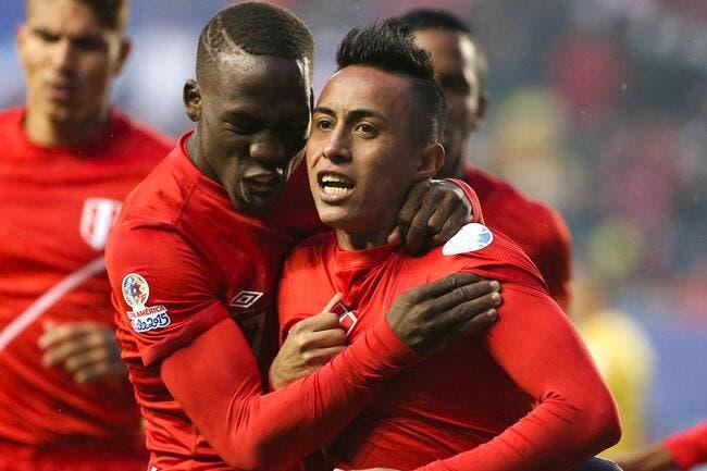 Le Pérou rejoint le Chili en demies