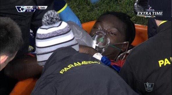 Bafé Gomis victime d'un malaise en plein match