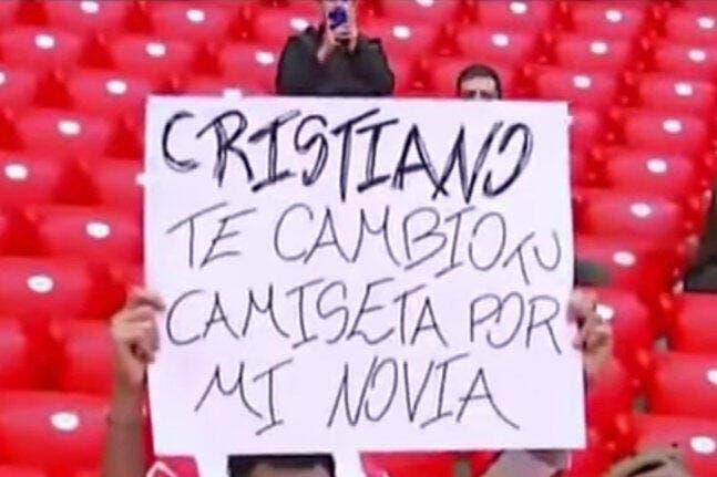 Cristiano Ronaldo rigole d'une proposition indécente