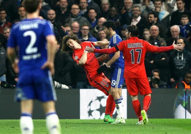 Mourinho se plaint de l'arbitre et veut suspendre David Luiz