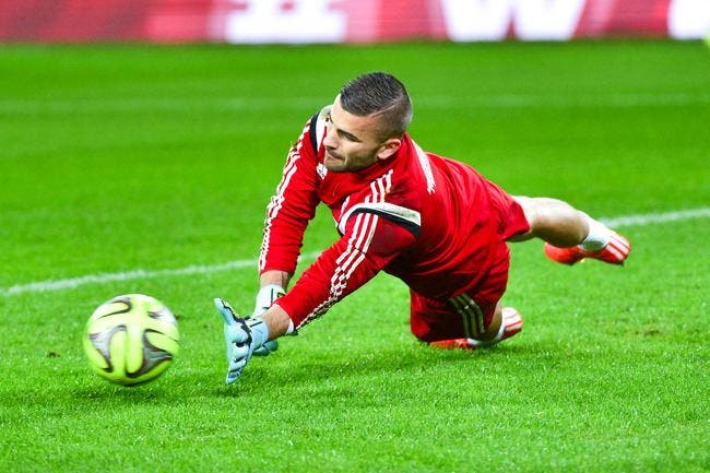 Anthony Lopes siffle double faute contre Ocampos