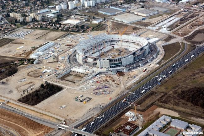 Le stade de l'OL sera livré en retard, mais sera plus grand !