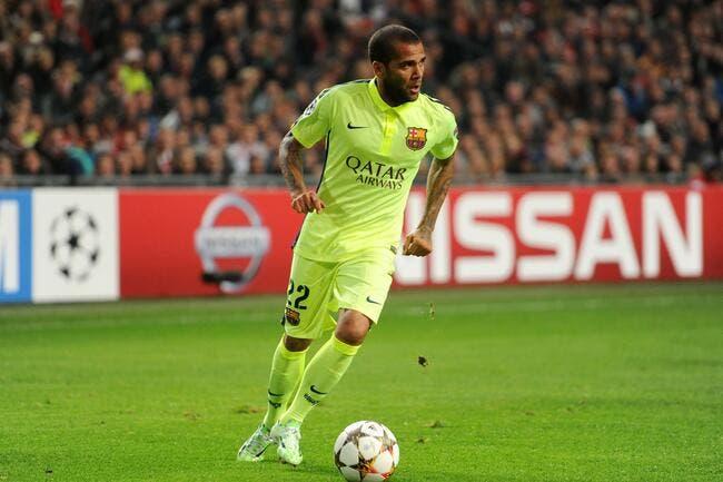 Daniel Alves envoie son agent tâter le terrain avec le PSG