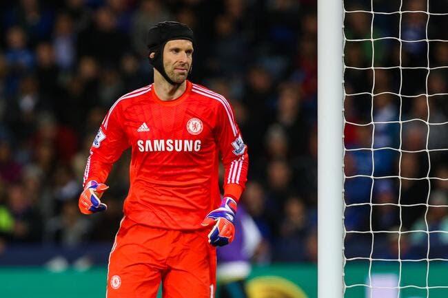 Mourinho demande à Chelsea de bloquer Cech