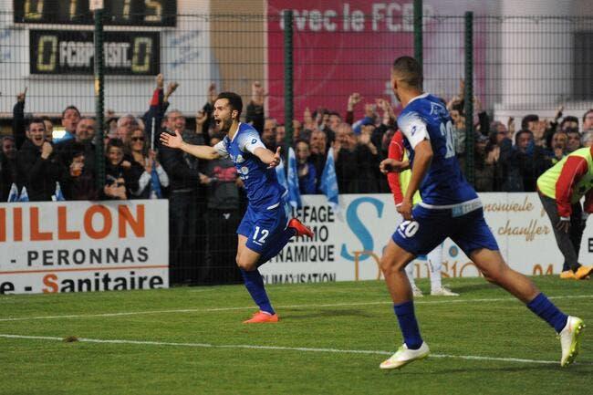 Bourg-Péronnais et le Paris FC en Ligue 2
