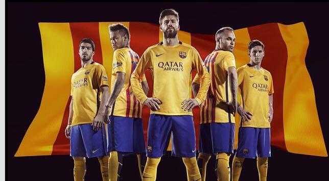 Le Barça revisite son maillot pour 2015-16