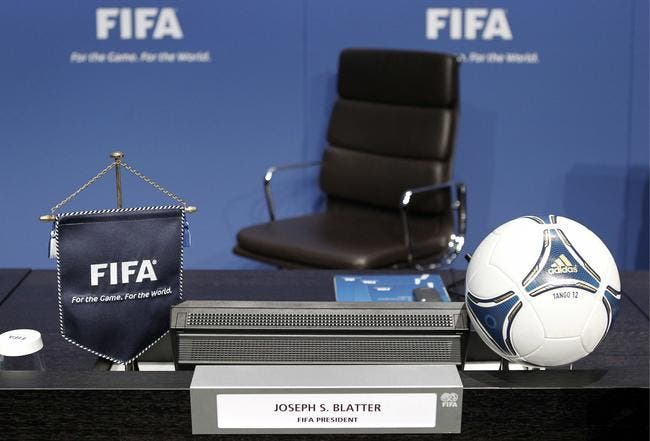 Raid de police et interpellations en pleine nuit à la FIFA !