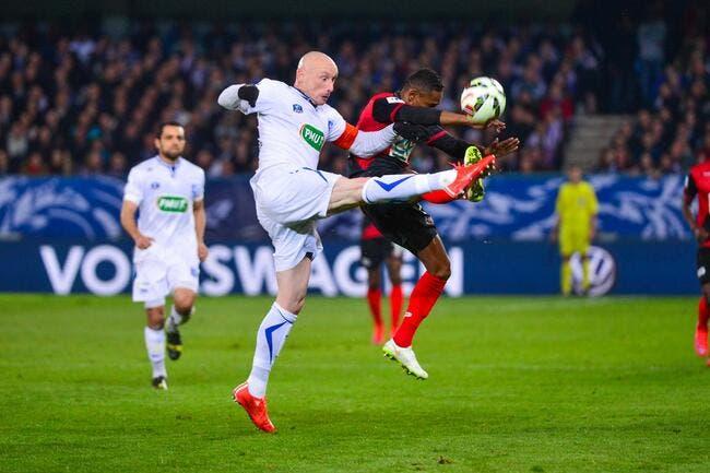 Auxerre dévoile déjà son 11 de départ face au PSG