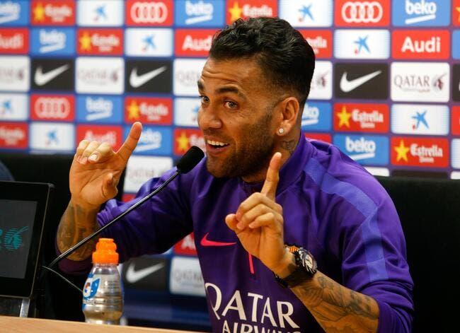 Blanc l'officialise, Dani Alves ne viendra pas au PSG