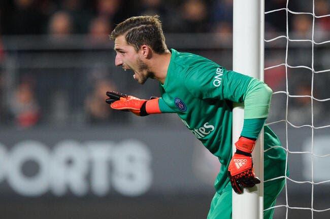 Le gardien du PSG se fait tout petit face à Neuer