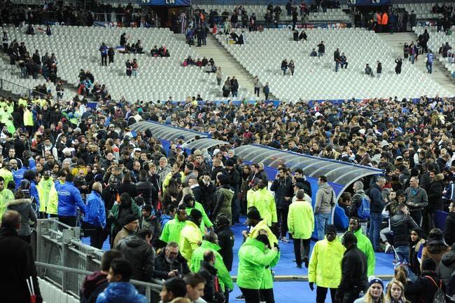 Attentats : Un kamikaze aurait essayé de rentrer dans le Stade de France