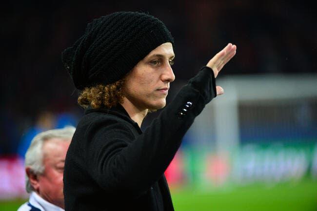 David Luiz rentre à Paris mais avoue être «inquiet»