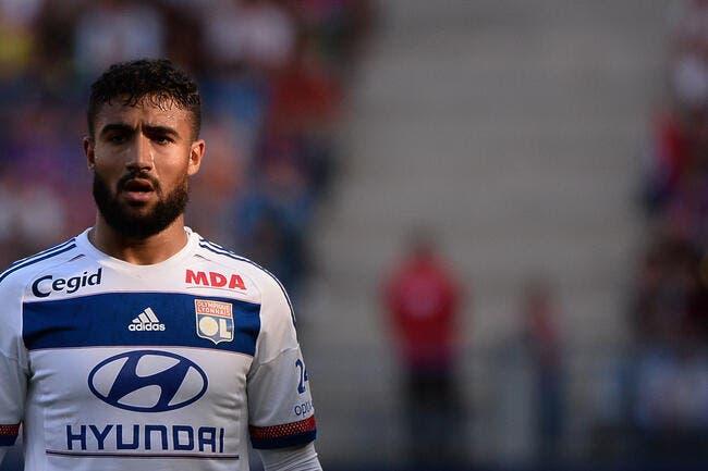 Nabil Fekir doit rester à l'OL, mais rêve du Barça