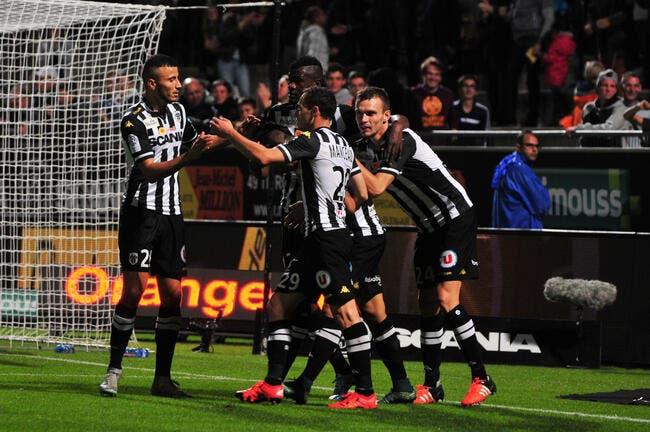 Angers continue sur sa lancée, Guingamp remonte