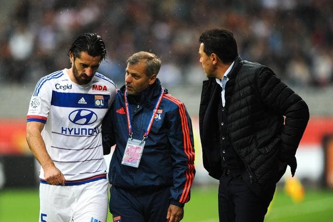 Pierre Ménès attaque dur sur les blessés à l'OL !
