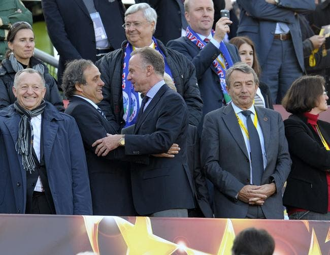 Aulas interdit de comparer Platini à Blatter