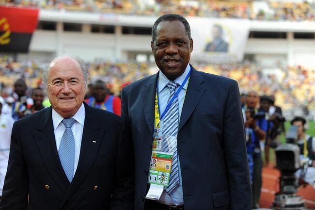 Tout va bien à la FIFA, le Sepp Blatter africain prend la relève...