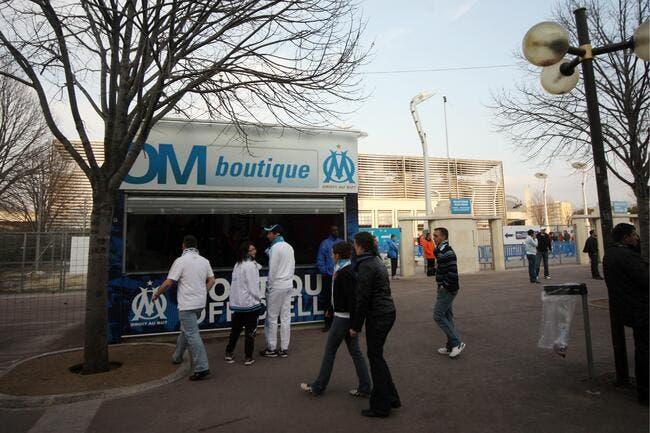Aux abords du Vélodrome, la police surveille les vendeurs à la sauvette