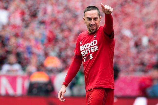 Vidéo : Ribéry termine une séance en saluant tous les spectateurs