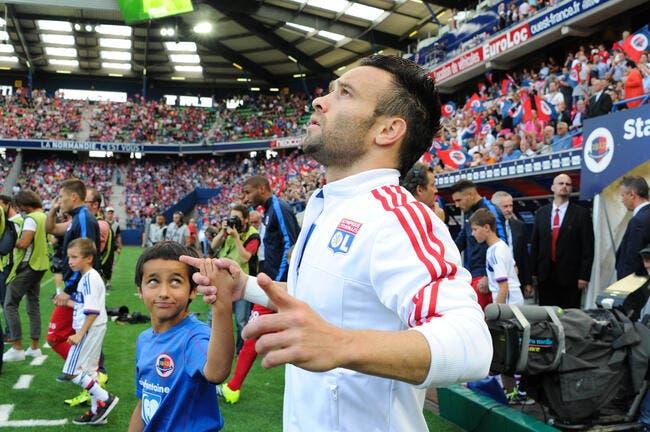 Pierre Ménès trouve Valbuena « moyen » à l'OL