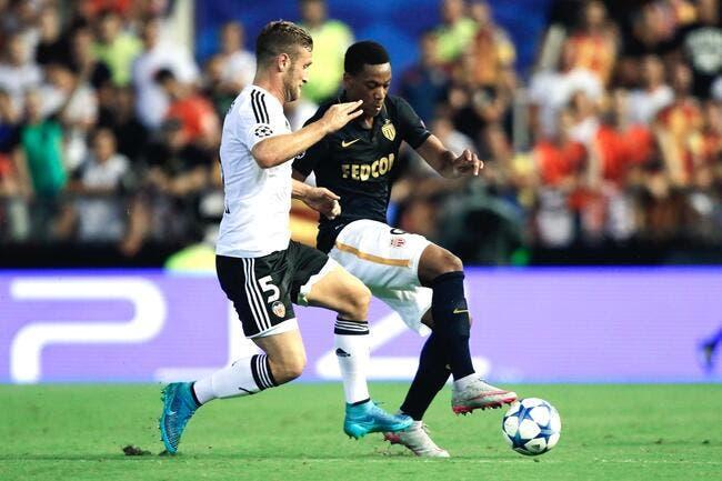 Ménès ne voit pas Martial sur le banc à Manchester United