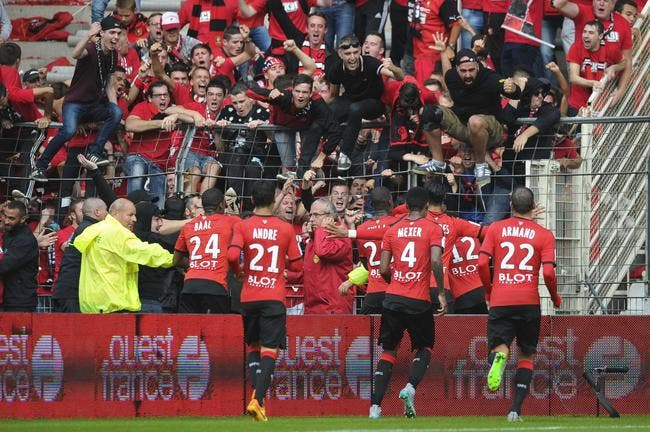 Les Canaris voient rouge, et Rennes talonne le PSG