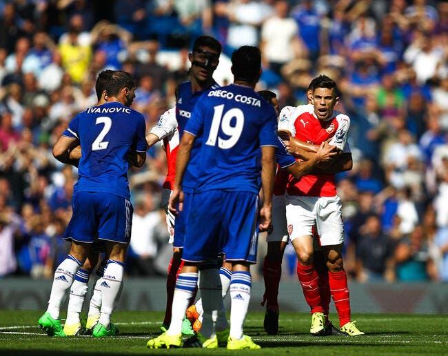 Diego Costa provoque un rouge surréaliste à Arsenal