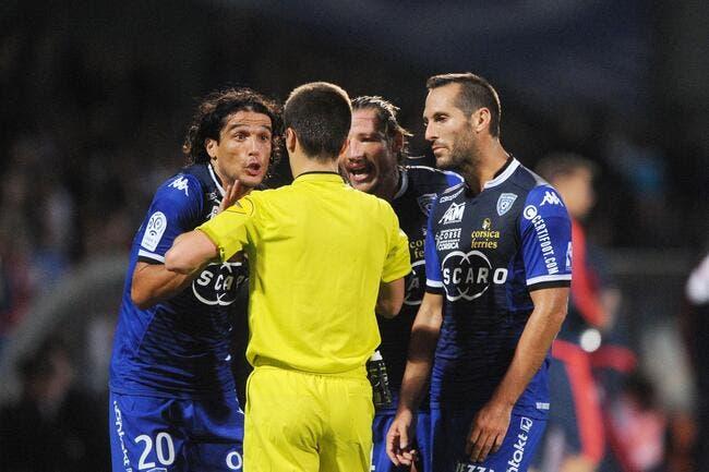 Le communiqué musclé de Bastia sur le « club des 5 » arbitres