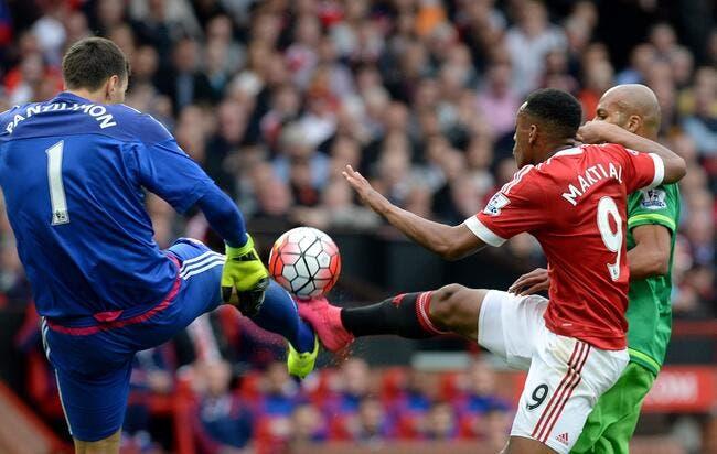 Man City perd la tête, MU et Arsenal en profitent