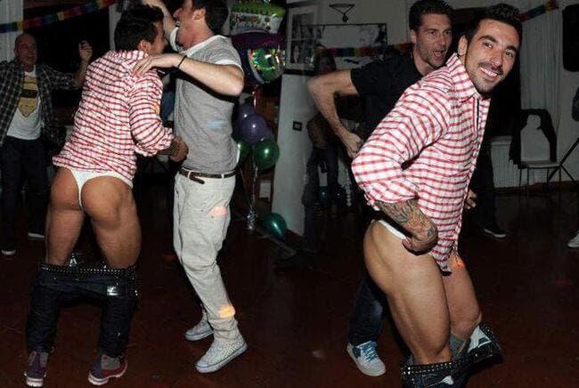 Lavezzi se fait afficher en string par un top-model argentin