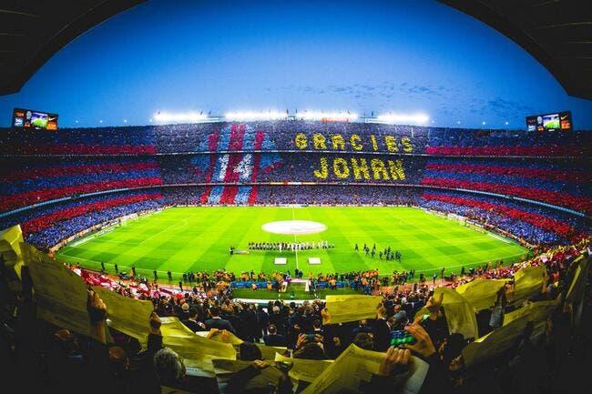 Photo : L'énorme tifo avant Barça-Madrid en hommage à Cruyff