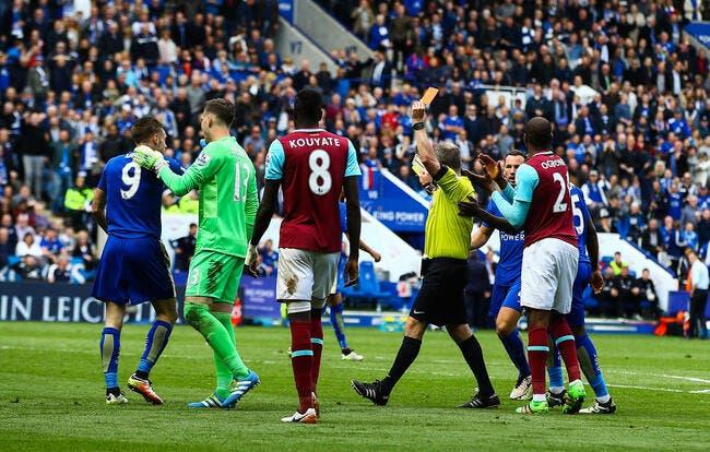 L'arbitre craque, mais Leicester sauve un point