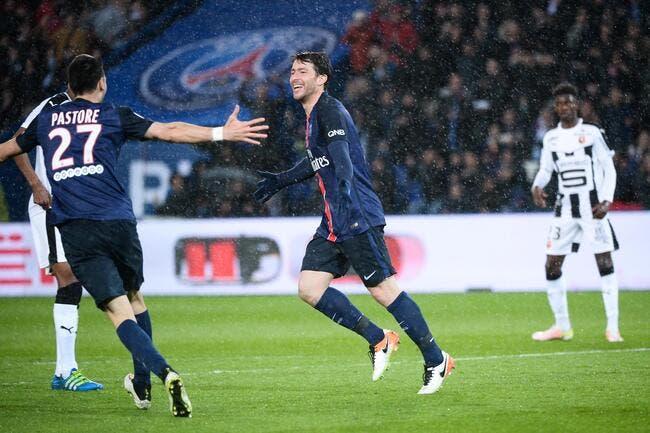 PSG: Maxwell, mais qu'est-ce que Paris attend?