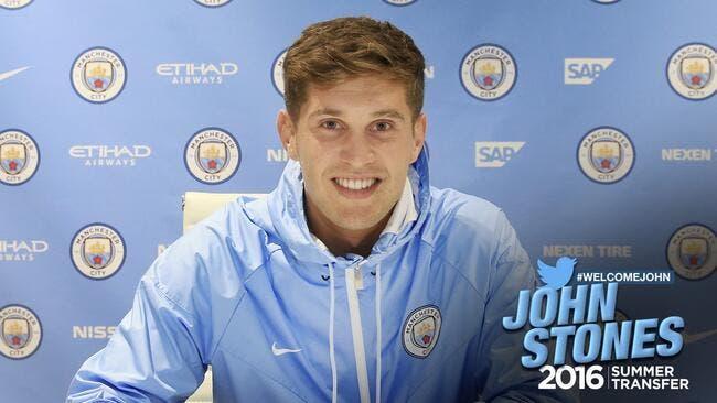 Officiel : Stones signe à Manchester City jusqu'en 2022