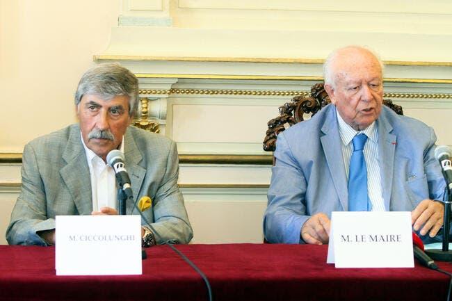 OM : Le maire de Marseille met directement la pression sur McCourt