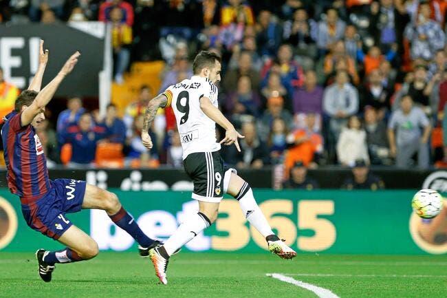 Officiel : Alcacer signe au FC Barcelone pour 30 ME