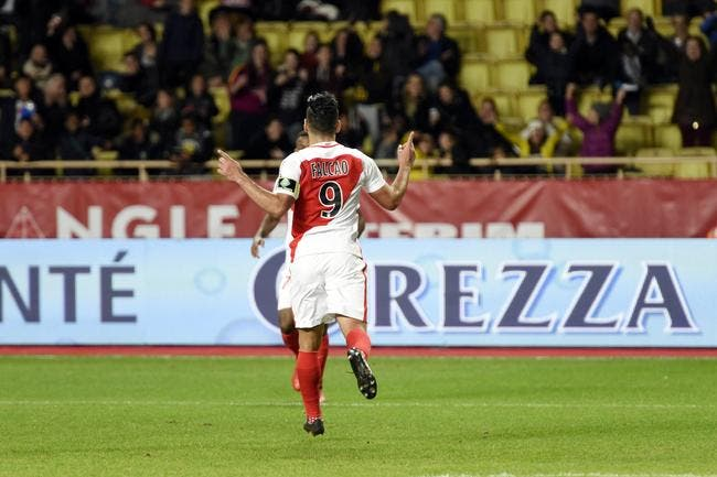 Monaco : Un penalty cadeau pour Falcao, Garande expulsé