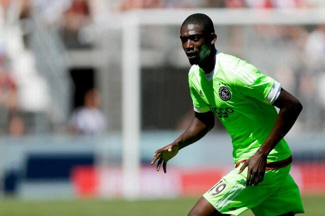 Arsenal laisse filer Sanogo à Charlton